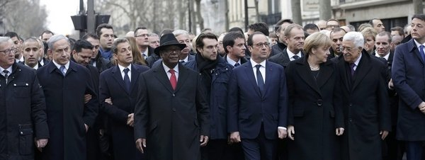 #JeSuisCharlie#JeSuisNico_Cabecera-de-la-manifestacion